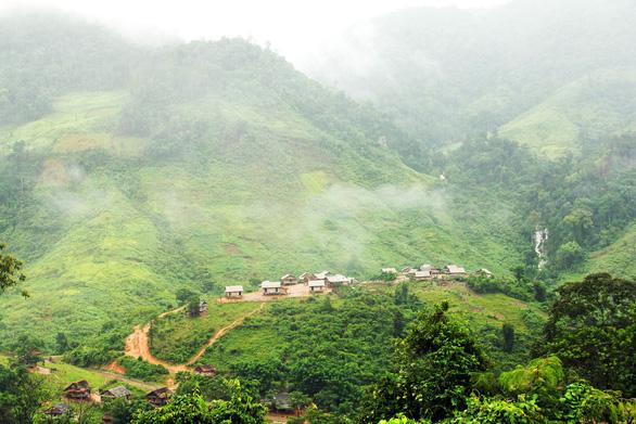 Tà Vờng - bức tranh quyến rũ giữa núi rừng - Ảnh 1.