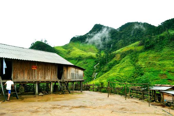 Tà Vờng - bức tranh quyến rũ giữa núi rừng - Ảnh 2.