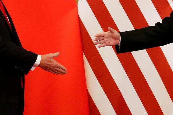 Bloomberg: Mỹ sẽ tạm dừng tăng thuế 300 tỉ USD hàng Trung Quốc để chờ G20 - Ảnh 1.