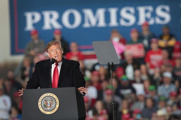 Ông Trump dọa xóa quyền công dân mặc nhiên khi sinh ở Mỹ - Ảnh 1.