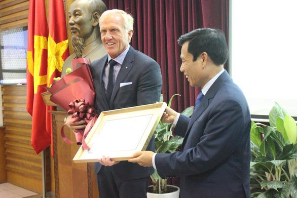 Huyền thoại golf thế giới làm đại sứ du lịch Việt Nam - Ảnh 1.