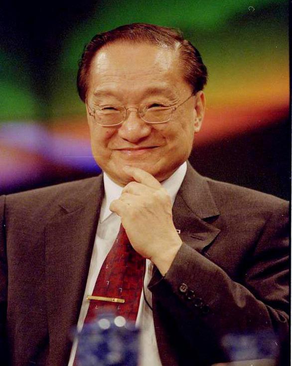 Kim Dung và một đời tiếu ngạo giang hồ đã khép - Ảnh 1.