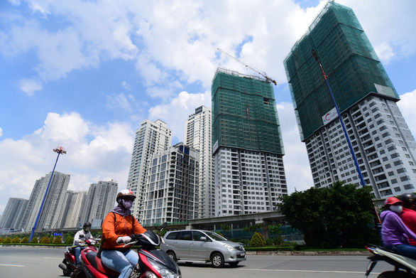 Siết vốn vào bất động sản: Được nhiều hơn mất - Ảnh 1.