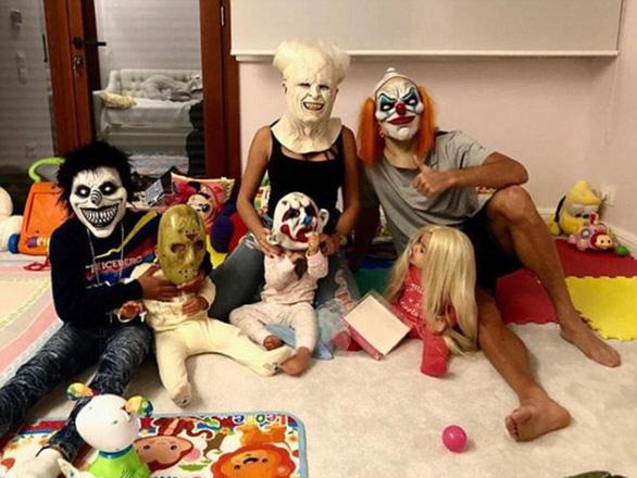 Ronaldo, Messi, Lewandowski: Ai đáng sợ nhất trong lễ hội Halloween ? - Ảnh 2.