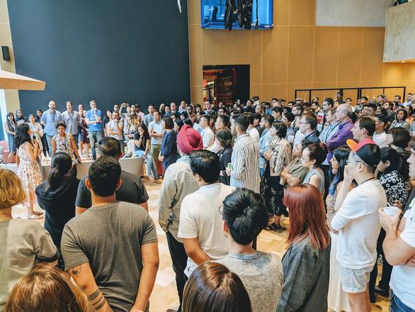 Nhân viên Google toàn cầu biểu tình phản đối công ty - Ảnh 1.