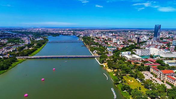 Chuyên gia Hàn Quốc giải bài toán khó hai bờ sông Hương - Ảnh 1.