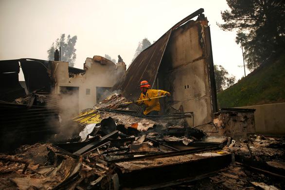 Mỹ: 23 người đã thiệt mạng do cháy rừng tại California - Ảnh 6.