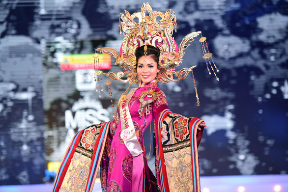 Kim Nguyên nhận danh hiệu Tân Hoa hậu châu Á Việt Nam 2018 - Ảnh 1.