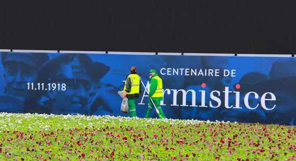 10.000 cảnh sát Pháp xuất quân bảo vệ Paris - Ảnh 4.