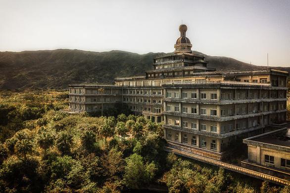 Khách sạn sang thành khách sạn ma lớn nhất Nhật Bản - Ảnh 1.