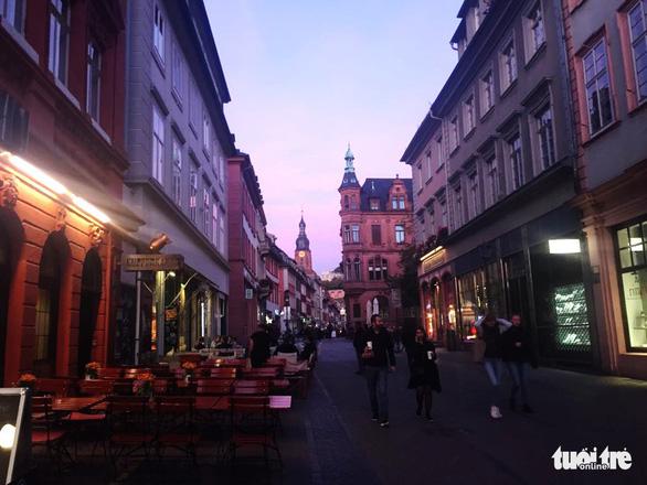 Theo chân du khách Việt khám phá thành phố cổ Heidelberg  - Ảnh 1.