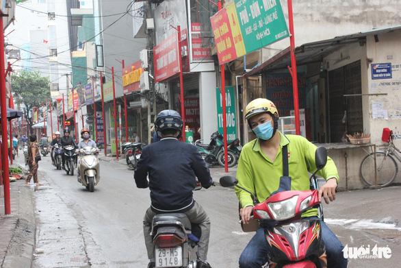 Hà Nội vừa đồng phục hóa thêm một tuyến phố - Ảnh 1.