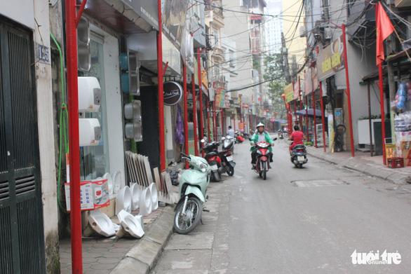Hà Nội vừa đồng phục hóa thêm một tuyến phố - Ảnh 10.