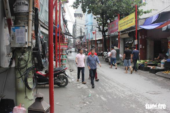 Hà Nội vừa đồng phục hóa thêm một tuyến phố - Ảnh 7.