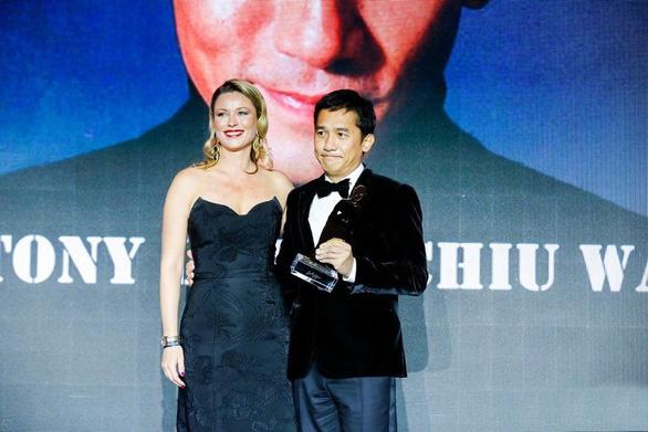 Lương Triều Vĩ trở thành ngôi sao châu Á đầu tiên đoạt giải thưởng Chaplin - Ảnh 2.