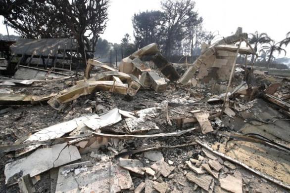 Phim trường Hollywood cháy rụi, nhà sao Hollywood hóa tro tàn - Ảnh 8.