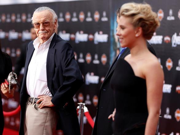 Stan Lee - cha đẻ vũ trụ điện ảnh siêu anh hùng Marvel đã qua đời - Ảnh 2.