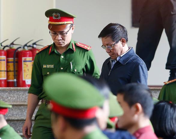 Trùm đường dây đánh bạc khai hối lộ 2 cựu tướng công an hàng chục tỉ - Ảnh 1.