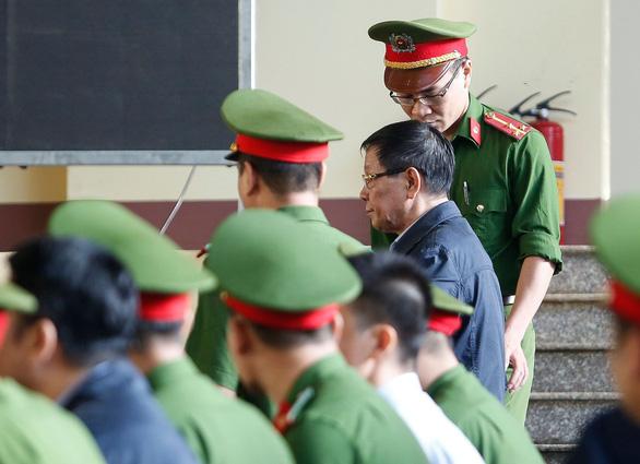 Chủ toạ khẳng định ông Phan Văn Vĩnh có quyền từ chối công khai bản án - Ảnh 3.