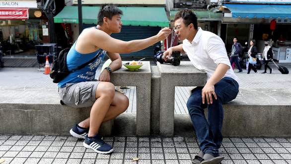 Hôn nhân đồng giới chia rẽ Đài Loan - Ảnh 1.