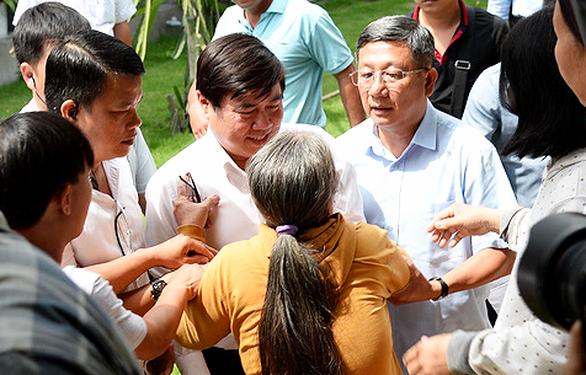 Chủ tịch TP.HCM tiếp dân Thủ Thiêm: Sửa sai, xử lý trách nhiệm - Ảnh 1.