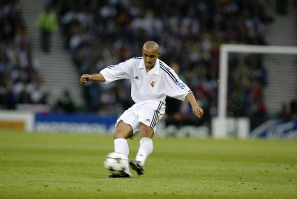 Huyền thoại Roberto Carlos đến Hà Nội trước trận VN - Malaysia - Ảnh 2.