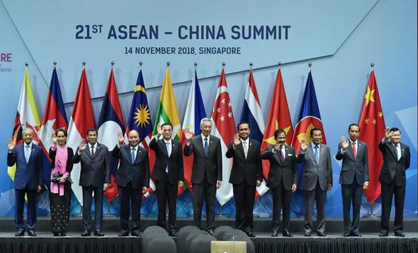 Chuyên gia chê phát ngôn của ông Duterte về Biển Đông - Ảnh 2.