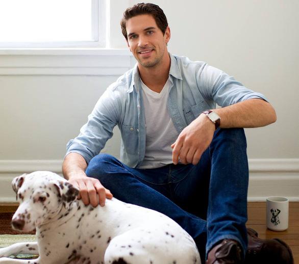 Mở thương hiệu cà phê cứu chó, chàng trai thu 1 triệu USD - Ảnh 8.