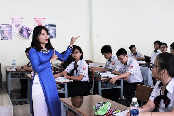 Cô giáo bách khoa toàn thư Văn Trịnh Quỳnh An - Ảnh 1.