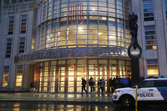 Trùm ma túy El Chapo đã đút tiền 'khủng' cho Interpol, quan chức Mexico - Ảnh 1.