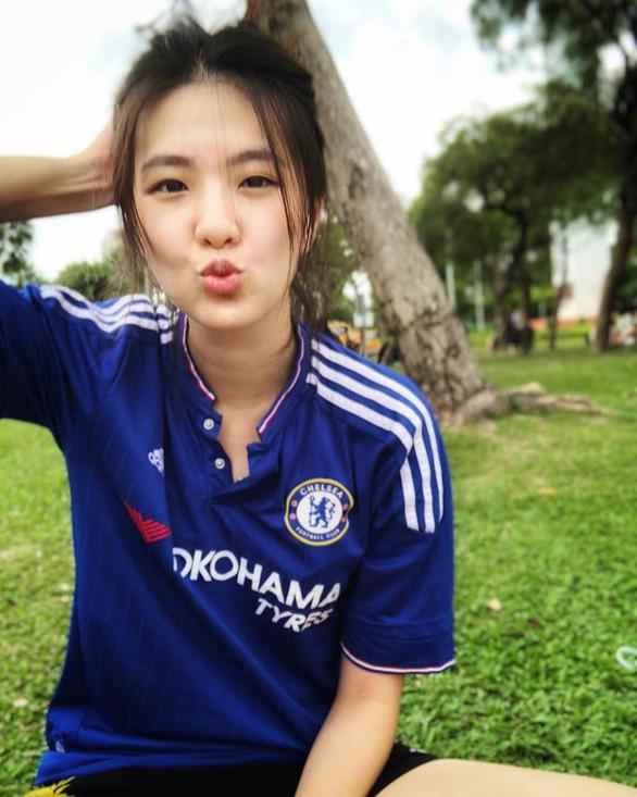 Sốt với hình ảnh nữ bác sĩ xinh đẹp của tuyển Thái Lan - Ảnh 3.