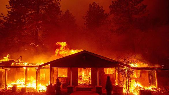 Tại sao cháy rừng ở Cali gây thiệt hại quá nặng nề? - Ảnh 1.