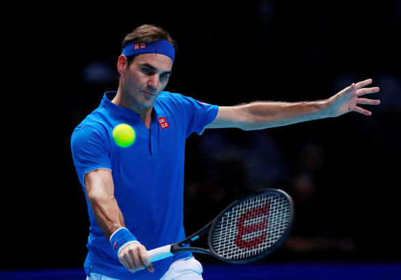 Zverev bị CĐV la ó trong chiến thắng trước Federer - Ảnh 2.