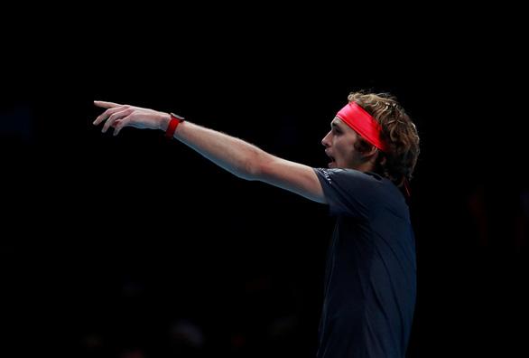 Zverev bị CĐV la ó trong chiến thắng trước Federer - Ảnh 3.