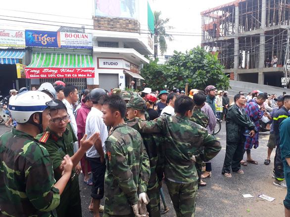 Sạt lở đất, hai mẹ con chết thảm trong quán ăn ở Nha Trang - Ảnh 4.