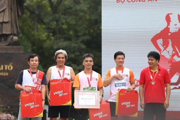 Giải chạy Kizuna Ekiden: Ngày hội thể thao vui vẻ - Ảnh 4.