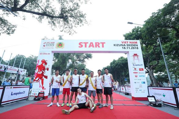 Giải chạy Kizuna Ekiden: Ngày hội thể thao vui vẻ - Ảnh 45.
