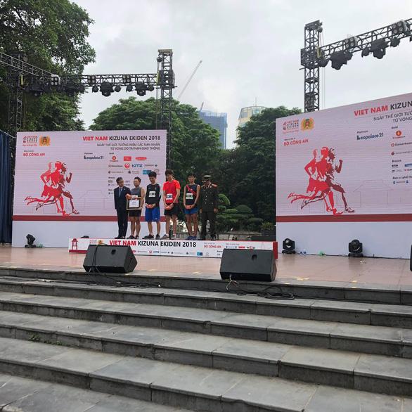 Giải chạy Kizuna Ekiden: Ngày hội thể thao vui vẻ - Ảnh 6.