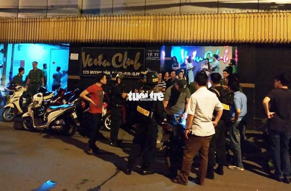 Cả trăm khách quán bar ở Phú Nhuận nghi 'phê' ma túy - Ảnh 1.