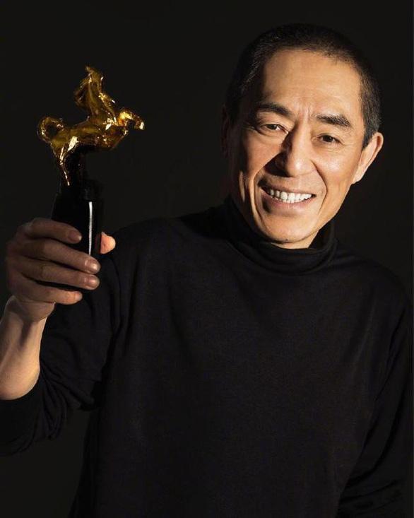 Trương Nghệ Mưu đoạt giải Kim Mã, Củng Lợi bật khóc - Ảnh 4.
