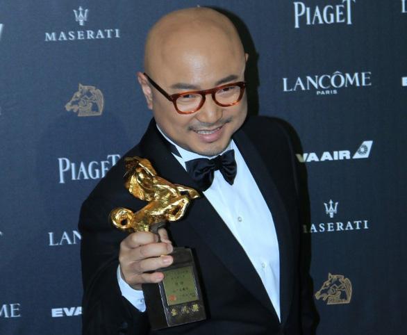 Trương Nghệ Mưu đoạt giải Kim Mã, Củng Lợi bật khóc - Ảnh 6.