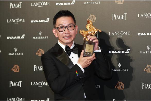 Trương Nghệ Mưu đoạt giải Kim Mã, Củng Lợi bật khóc - Ảnh 8.