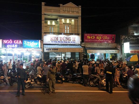 Thêm một vụ cướp tiệm vàng táo tợn ở Quảng Nam - Ảnh 2.