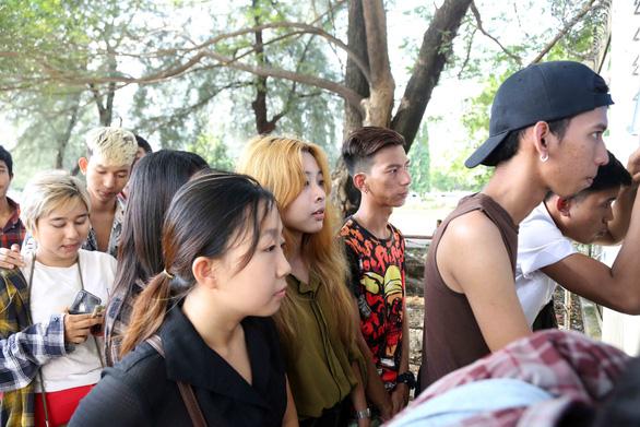 Mua vé xem bóng đá ở Myanmar không khổ như VN - Ảnh 7.