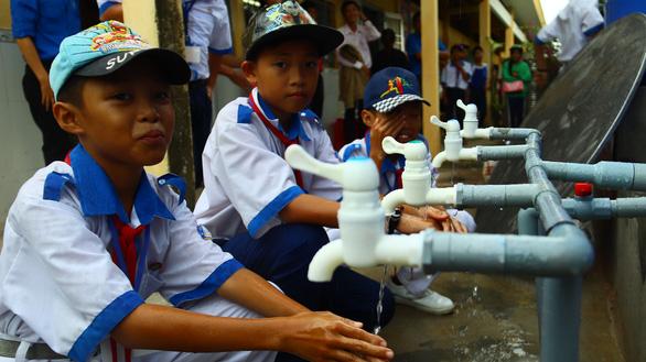 Tuổi Trẻ khánh thành 4 công trình sẻ chia nước sạch tại Bạc Liêu - Ảnh 1.
