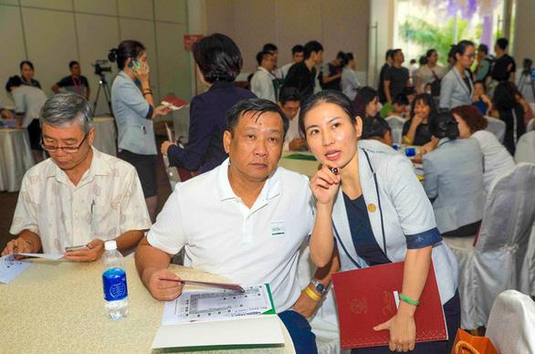 Chen chân mua nhà tại lễ mở bán căn hộ The Peak - Ảnh 8.