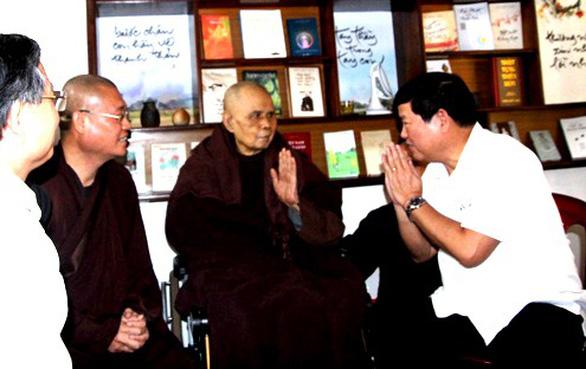 Ban Tôn giáo Chính phủ thăm thiền sư Thích Nhất Hạnh - Ảnh 1.