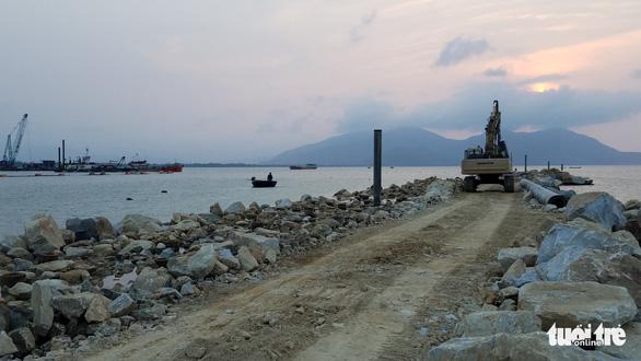 Một doanh nghiệp Huế xin đổ 715.000m3 bùn thải xuống biển - Ảnh 1.