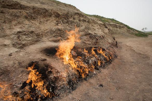Khám phá những ngọn lửa bất diệt ở Azerbaijan - Ảnh 4.