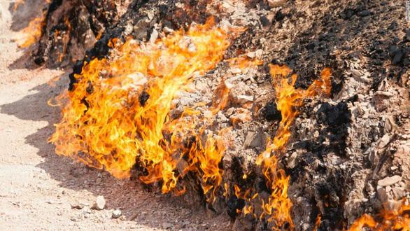 Khám phá những ngọn lửa bất diệt ở Azerbaijan - Ảnh 2.
